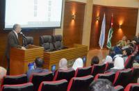 """عميد كلية الآداب والعلوم بـ""""عمان الأهلية"""" يلتقي بطلبة الكلية المستجدين"""