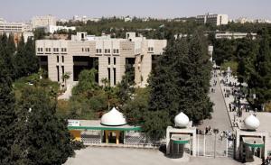 """إنهاء خدمات 21 مدرسا في """"الأردنية"""""""