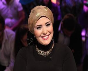 صابرين تخرج عن صمتها وردّ صادم عن خلعها الحجاب ! (شاهد)