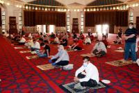 الأردنيون يؤدون أول صلاة جمعة في رمضان