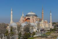 تغيير وضع القديسة صوفيا قد يقود إلى عزل تركيا