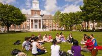 طلاب جامعة أمريكية ينظمون حفلات لإلتقاط الفيروس