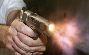 أب يقتل زوجته وابنه وابنته رميا بالرصاص بطيبة اربد