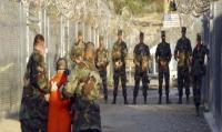 لماذا يُبقي ترمب على سجن غوانتانامو؟