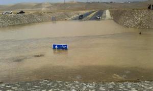 """مياه الأمطار تغلق نفق """"حوشا"""" بالبادية الشمالية"""
