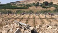 متظاهرون يكسرون الطوق الامني نحو الحدود مع فلسطين  ..  (صور)