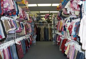 انخفاض أسعار الألبسة 3 %
