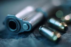 القبض على المتسبب بقتل طفل بعيار ناري في مادبا