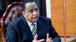 البشير يعفي وزير خارجيته من منصبه