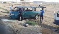 """وفاة شخصين واصابة 3 بتدهور باص على """"الصحراوي"""""""