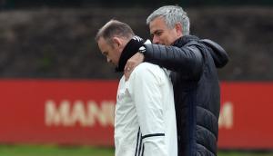 """روني يصف إقالة مورينيو قبل نهائي كأس الرابطة """"بالجنون"""""""