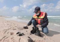 التسرب النفطي يصل إلى شواطئ قطاع غزة