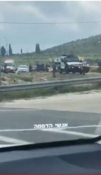 عملية طعن جنوب نابلس والإحتلال يطلق النار على المنفذ (فيديو)