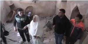 """صاحبة المنزل الذي تحصن فيه الشهيد أبو ليلى:"""" الله ع الجواسيس"""" (فيديو)"""