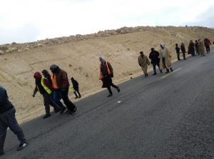 الرزاز يعد مسيرة شباب العقبة بدراسة مطالبهم
