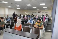 """نقيب المحامين يشيد بإجراءات جامعة الشرق الأوسط لإنجاح امتحان """"المحامين المتدربين"""""""