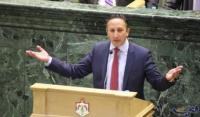بعد مطالبات النائب أبو رمان ..  إعادة النظر بتقاعد الوزراء وإعفاءات الهايبرد