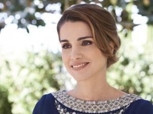 الملكة رانيا تزور الجمعية الخيرية للتطوير الحضري في بيت راس