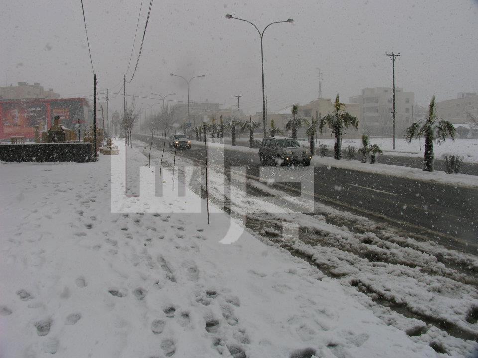الثلج عمان الأربعاء 9/1/2013 image.php?token=302f41ee0af1fd687a12e41f7206adc5&size=