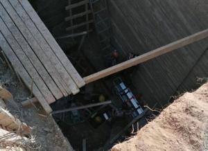 عمان: وفاة شخص واصابة اخر اثر سقوطهما بحفرة انشائية