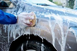 اربد  ..  صعقة كهربائية تودي بحياة شخص وهو يغسل مركبته