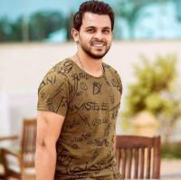 """الفنان """"محمد رشاد"""" يطلب المساعدة (صور)"""