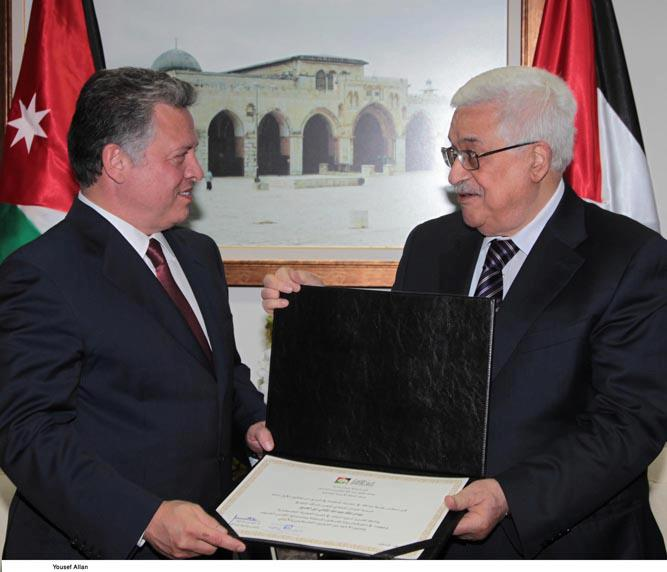 بالصور -الملك من رام الله : سأعمل مع اوباما لحل القضية الفلسطينية Image