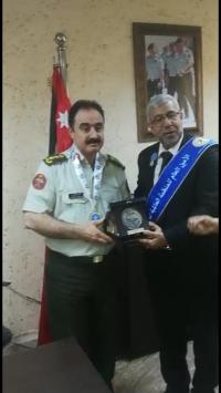 تهنئة لرئيس محكمة أمن الدولة لنيله وسام السلام العالمي