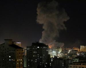 طائرات الاحتلال تقصف مواقعا شمال غزة