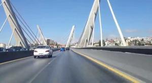 ثني فتاة حاولت الانتحار من اعلى جسر عبدون