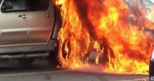 اضرام النار بآلية تابعة لبلدية اربد اثر وفاة شاب دهساً