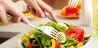 هل يمكن تدريب أدمغتنا على تفضيل الطعام الصحي ؟