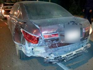 6 اصابات بتصادم 4 مركبات على طريق شارع البترا