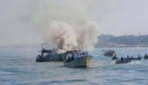 إصابة صيادين فلسطينيين واعتقالهما في عرض بحر غزة