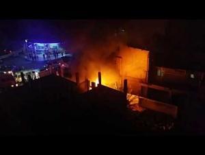 حريق منزل  مهجور بجبل الجوفة (فيديو)