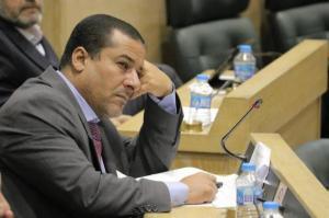 """الهواملة يتهم الطراونة بتوجيه المجلس لاقرار """"ضريبة الدخل"""""""