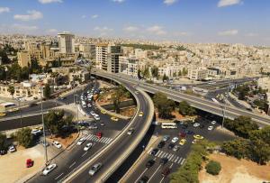 وزير عراقي يشتري ربع عقارات عمان