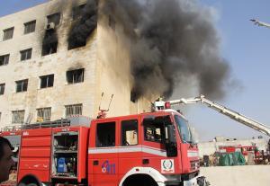 حريق ضخم بمصنع للإسفنج والبلوسترين في البيادر (صور)