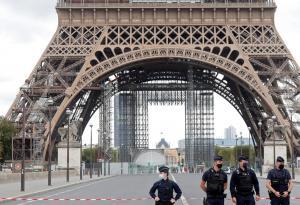 فرنسا تطالب بعدم مقاطعة منتجاتها