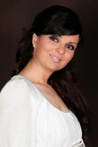 ممثلة سورية تفاجئ الجميع باعتزالها