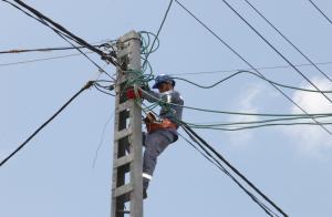 """فصل الكهرباء عن مناطق في اربد وعجلون """"أسماء"""""""