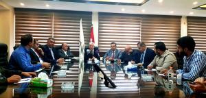 نقيب المحامين يدعو لزيارة سوريا