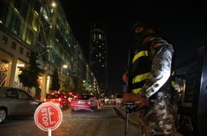 ضبط 154 شخصاً خالفوا الحظر في عمان