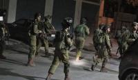 اعتقال 23 فلسطينيا بالضفة
