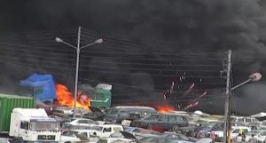 حريق بأربع شاحنات في أبو علندا