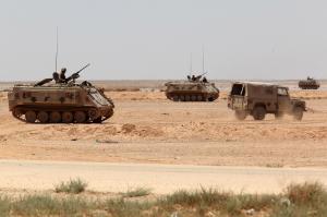 تعزيزات على الحدود تحسبا لفرار مسلحي داعش من معاقلهم