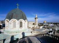 كنيسة القيامة تغلق أبوابها أمام المحتفلين بعيد الفصح
