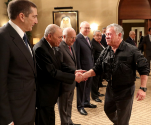 الملك لرؤساء الحكومات السابقين: الإصلاح السياسي ليس شعارا