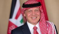 الملك يطمئن على صحة أمير الكويت