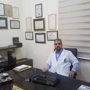 محامي يكشف ما تعرف له الشهيد الطبيب حازم الجولاني